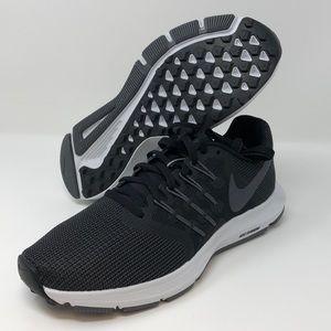 Nike Women's Run Swift Athletic Shoes